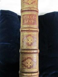 Publii Virgilii Maronis Opera   Virgile (Publius Vergilius Maro) (0070-0019 av. J.-C) - poète latin. Auteur