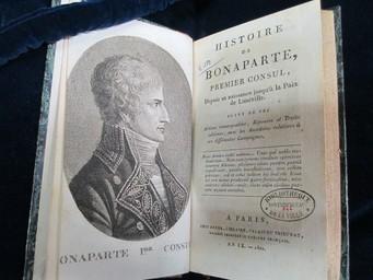 Histoire de Bonaparte, premier consul, depuis sa naissance jusqu'à la paix de Lunéville... | Cousin d'Avallon, Charles-Yves (1769-183.). Auteur