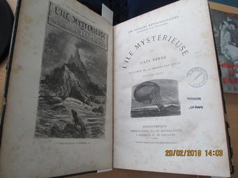 L'Ile mystérieuse / par Jules Verne | Verne, Jules (1828-1905). Auteur